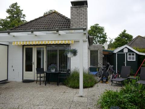 ferienbungalow in noord holland von privat zu vermieten ferienhaus hauptseite. Black Bedroom Furniture Sets. Home Design Ideas
